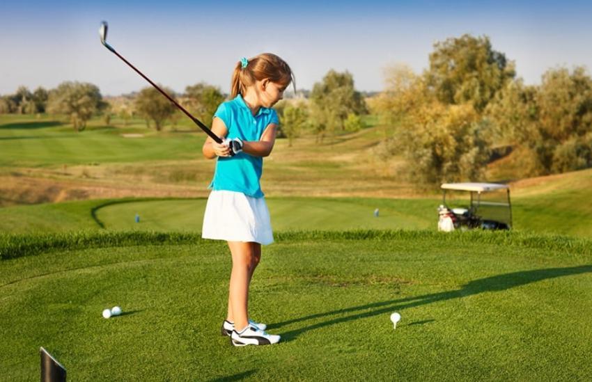Bộ tập golf trẻ em gồm những gì
